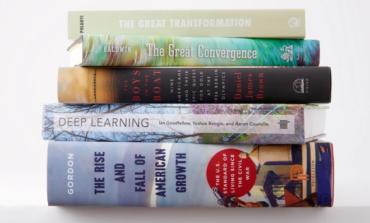 ۷ کتاب پیشنهادی مدیرعامل مایکروسافت برای رهبری هوشمندانهتر