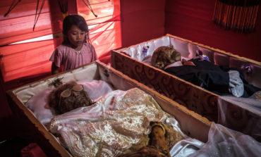 آیین عجیب و باورنکردنی مردهشوری و احترام به اموات در اندونزی!