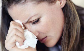 مزایای گریه کردن: چرا اشک ریختن هرازگاهی مفید است؟