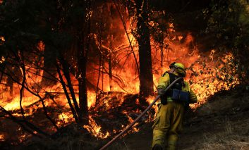 ادامه آتشسوزی سهمگین در سرتاسر کالیفرنیای شمالی