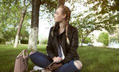۱۰ روش سالم و طبیعی مقابله با اضطراب