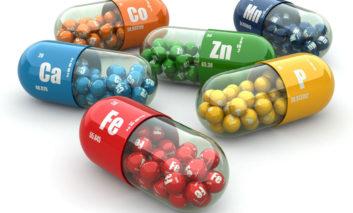 دریافت مواد مغذی و ویتامینها از میوه و غذاها یا از مکملها؟ کدام بهتر است؟