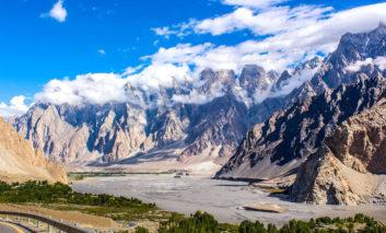 سفر به جاده ابریشم یعنی سفر به مهد فرهنگ خاور دور