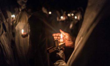 گزارش تصویری از یک نیمه شب مقدس؛ شب کریسمس، شب میلاد مسیح