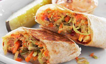 ساندویچ سبزیجات با پنیر برای افراد گیاهخوار