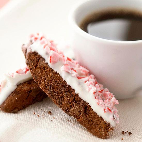 طرز تهیه بیسکوئیت شکلاتی دولایه
