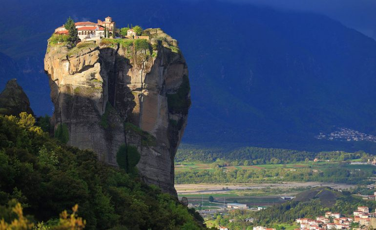 سفری اعجابانگیز به متئورا در یونان