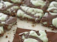 طرز تهیه لقمههای شکلات تلخ