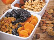 آیا خوردن میوههای خشک شده مفید است؟