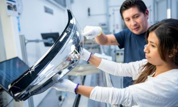 الجی شرکت معتبر ZKW Group، سازنده چراغ خودرو را خریداری کرد