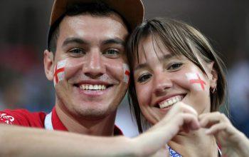 یک جام و یک جهان: تونس - انگلیس