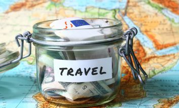 چه طور برای سفر پول پس انداز کنیم؟ (لازم نیست ثروتمند باشید تا همیشه سفر کنید!)