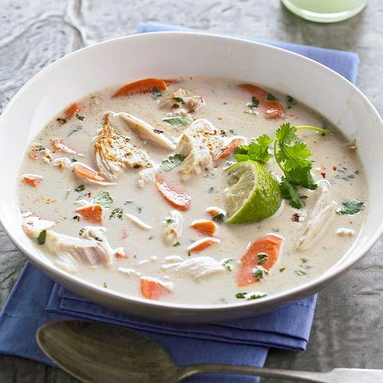 طرز تهیه سوپ مرغ لیمو-نارگیلی