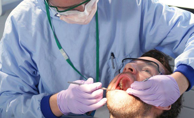 ۱۰ درمان خانگی برای کرم خوردگی و پوسیدگی دندان