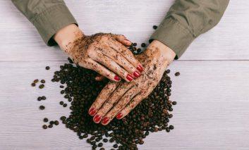 ۸ روش استفاده از قهوه بر روی پوست و مو