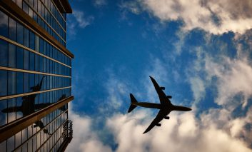چند نکته برای زنده ماندن در سفرهای هوایی طولانی!