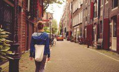 به هر جا سفر میکنید مردم محلیها را ملاقات کنید!