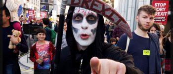 گزارش تصویری: بهترین بنرها در راهپیمایی لندنیها علیه برِکسیت