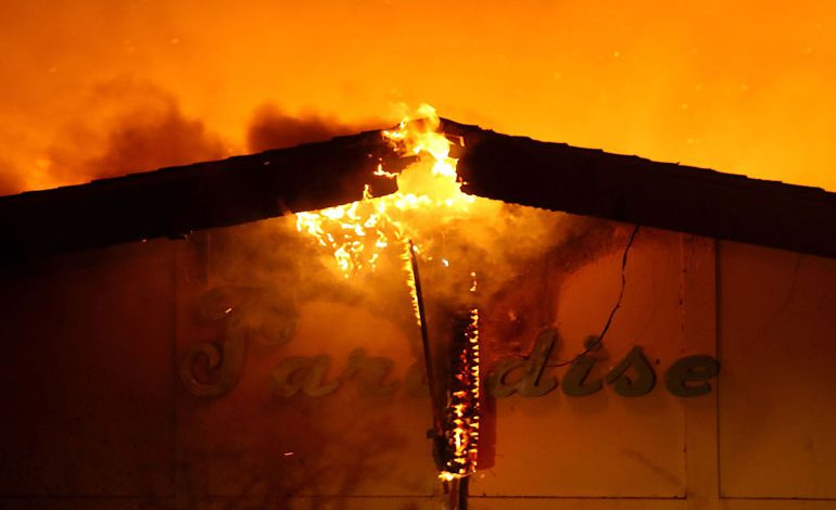 A-Wind-Whipped-Wildfire-Ravages-Paradise,-California-(21)