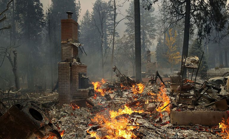 A-Wind-Whipped-Wildfire-Ravages-Paradise,-California-(22)