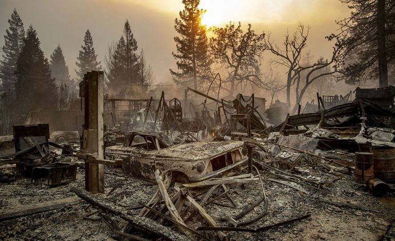 A-Wind-Whipped-Wildfire-Ravages-Paradise,-California-(24)