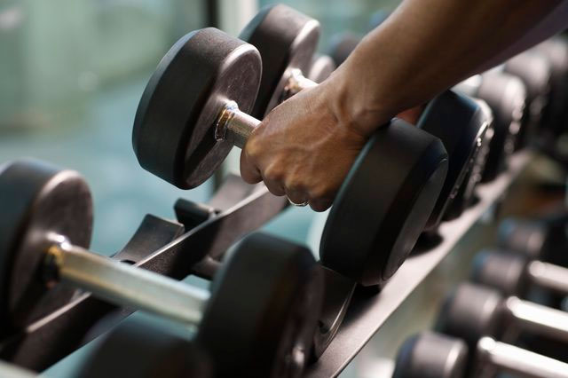 بالا بردن وزنه به بالا رفتن روحیه کمک میکند!