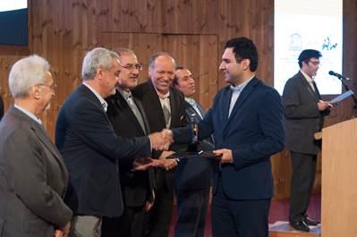 ایرانسل جایزه کرسی یادگیری دیجیتال یونسکو را دریافت کرد