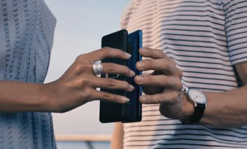 HUAWEI Mate 20 pro گوشی که هیچ وقت خاموش نمیشود