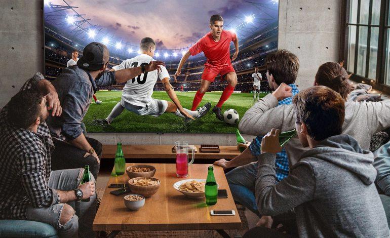Image result for هیچ گلی را با حالت ورزشی تلویزیونهای هوشمند سامسونگ در تماشای فوتبال از دست ندهید