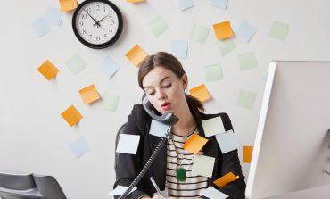 خانمهایی که بیش از حد کار میکنند، معمولا چهره افسردهتری دارند