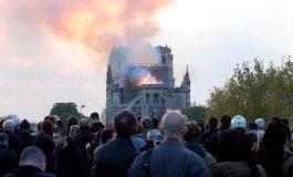 تاریخی مختصر از کلیسای نوتردام، بنایی که یک شهر را تعریف میکند
