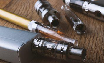 گزارش صدمات شدید ریه به علت کشیدن سیگار الکترونیکی (وایپر)