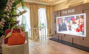 نمایش نسخه لاکچری تلویزیون وال سامسونگ در هفته مد پاریس