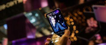 گلکسی Z Flip سامسونگ مهمان هفتههای مد سراسر دنیا