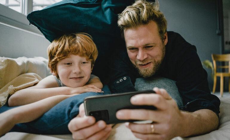 مراقبتهای پس از خرید اولین گوشی هوشمند برای کودکان و نوجوانان