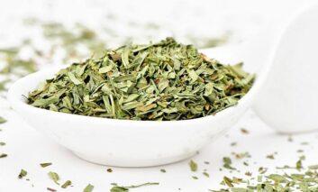 گیاه و چای حاوی عصاره آرتمیزیا چیست؟