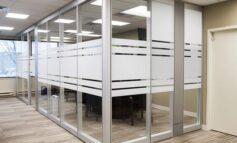 پارتیشنبندی با استفاده از پارتیشن شیشهای در کمترین زمان ممکن بدون تخریب و بنایی