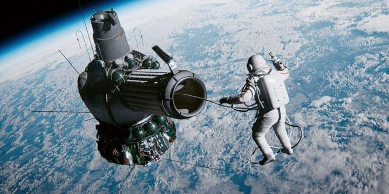 Spacewalk (2017) - 7.3