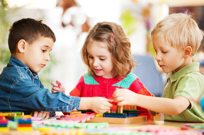 کودکان و انتخاب اسباب بازی مناسب