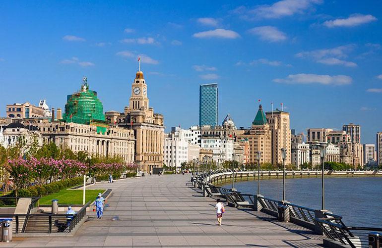 Shanghai's Promenade: The Bund