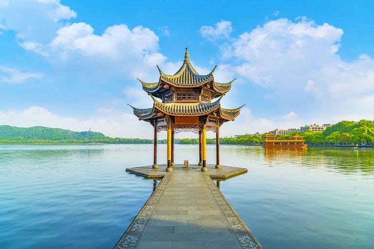 Hangzhou's historic West Lake