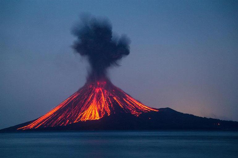Anak Krakatau, Indonesia